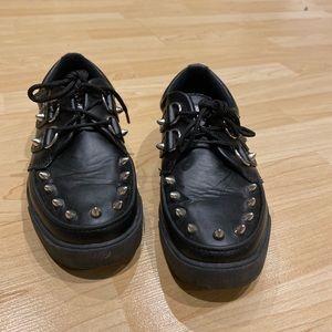 Black TUK Studded Creepers